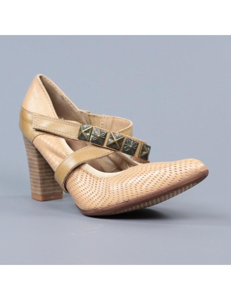 Comprar online zapatos camel de mujer con puntera - Restos de zapatos ...
