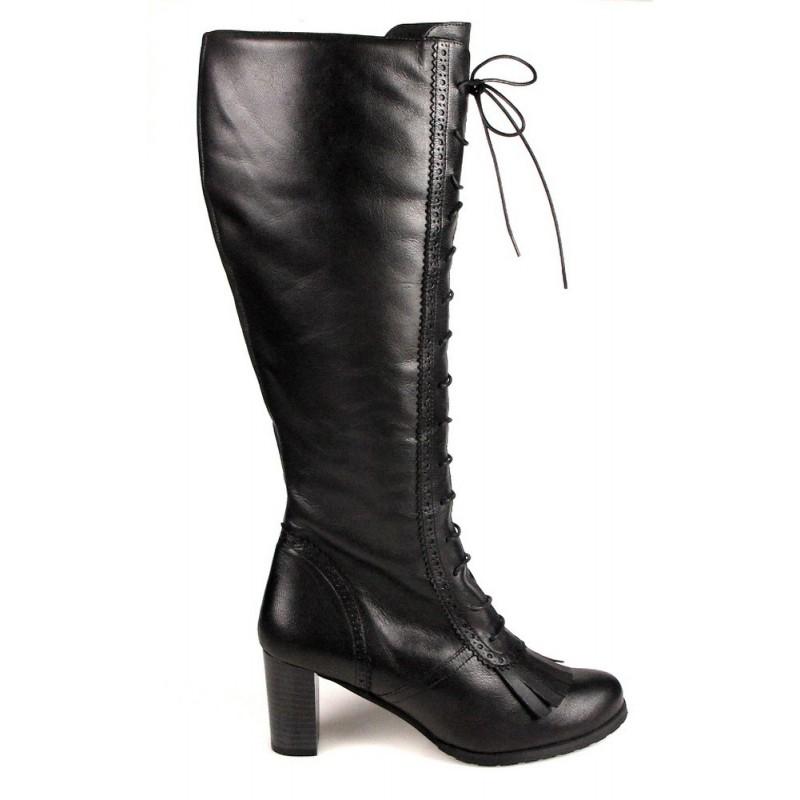 botas negras de piel con cordones