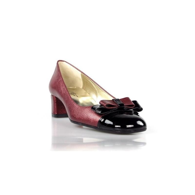 zapatos de tacón cuadrado granates. 283