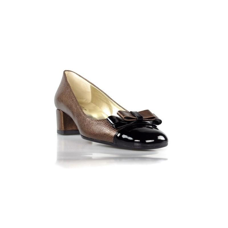 zapatos con tacón cuadrado y lazo. 283