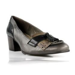 zapatos grises con flecos . 15034