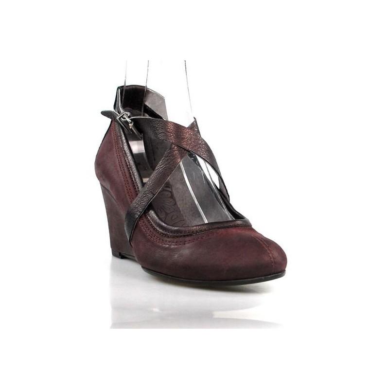 zapatos granates con tiras cruzadas .sr14
