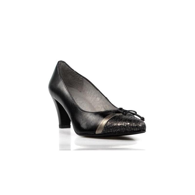zapato negro de tacón .173
