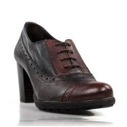 zapatos abotinados de cordones . 30196