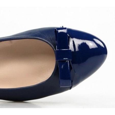 manoletinas azules de piel .9046