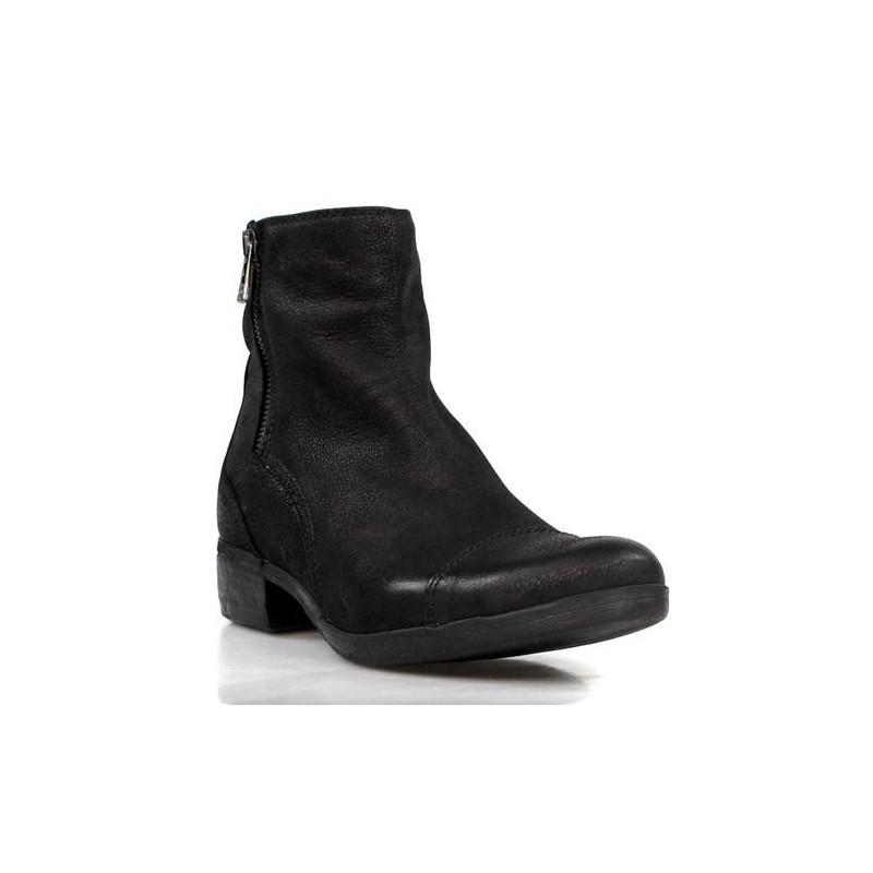 botines negros estilo moteros. 9601