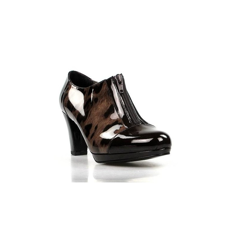 zapatos abotinados charol .1407