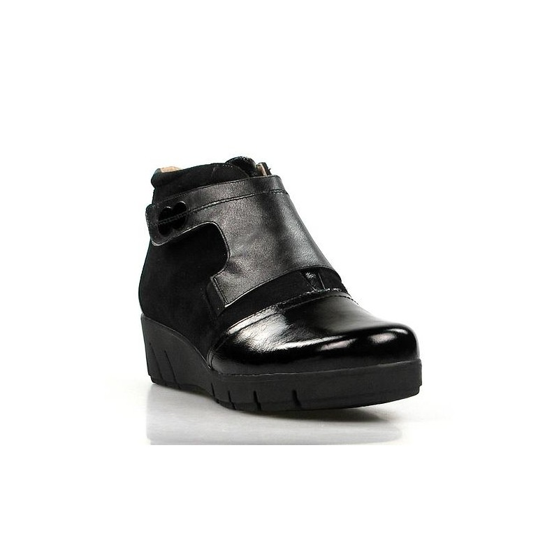 botines de cuña negros . 15725