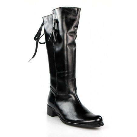 botas negras con cordón trasero.x340