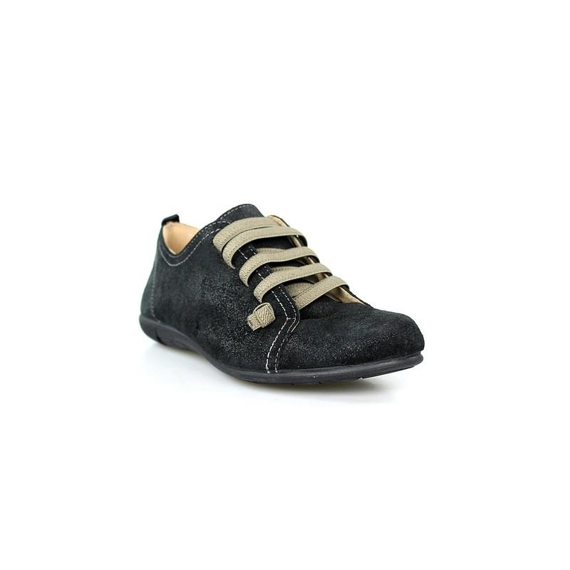 Zapatos de cordones en serraje - Restos de zapatos ...