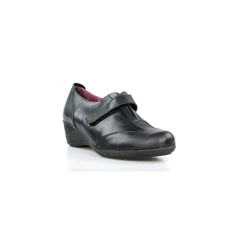zapatos negros sport .52505