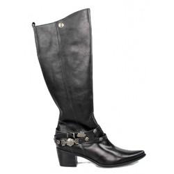 botas de cuero color negro. r13