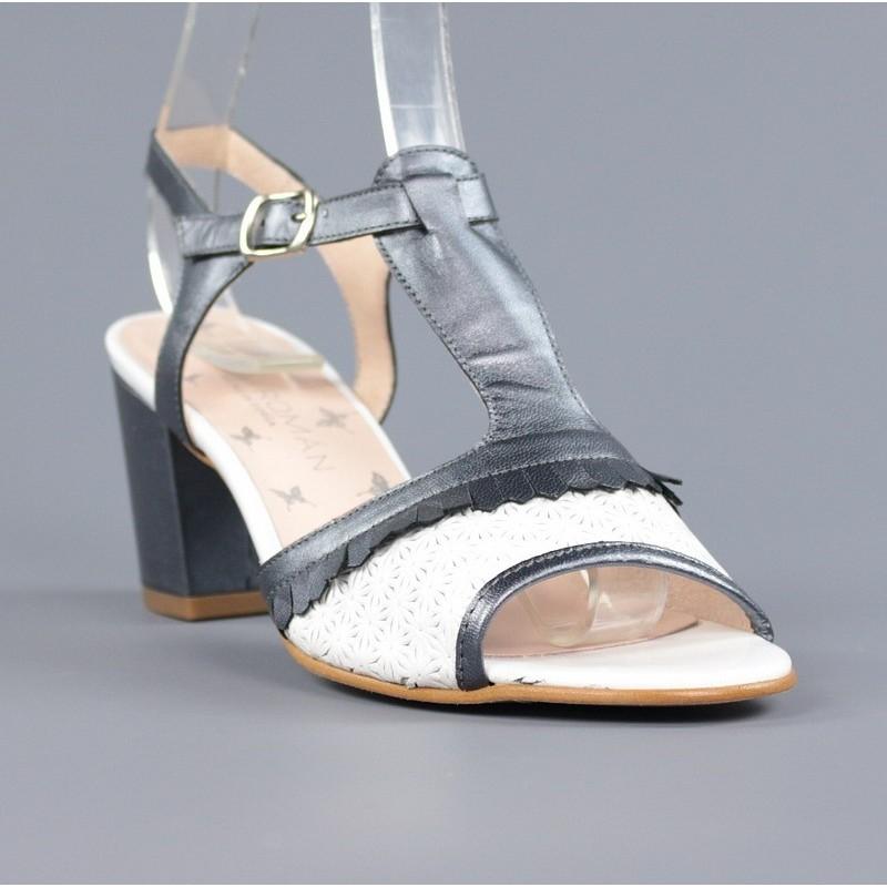 Sandalia azul y blanca .m1
