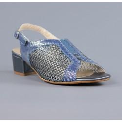 Sandalias azules con piel rejilla.m14