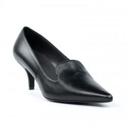 Zapato negro de puntera.zl1