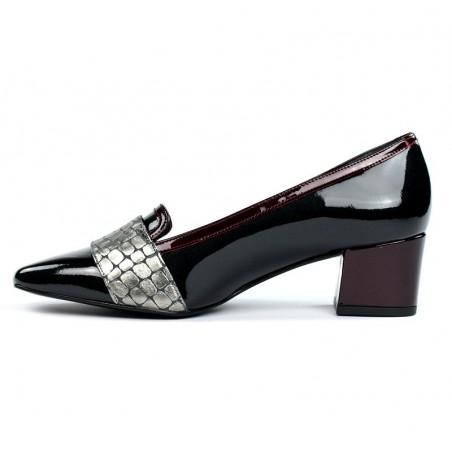 Zapatos grisáceos tacón cuadrado.1616