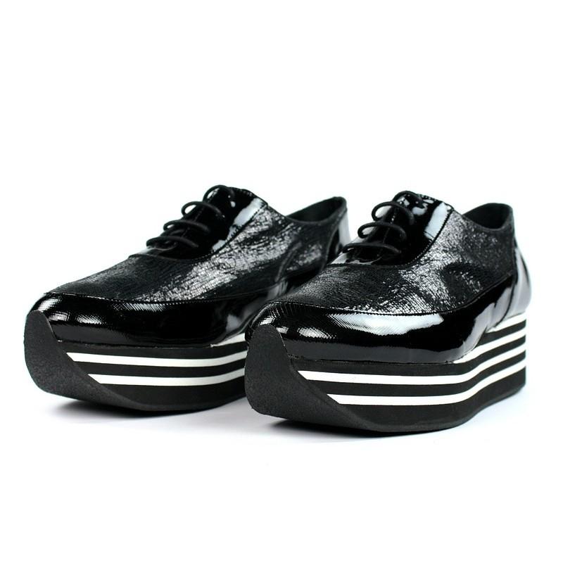 Zapatos flatform cordones.50022