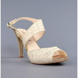 Sandalias de tacón beige.863