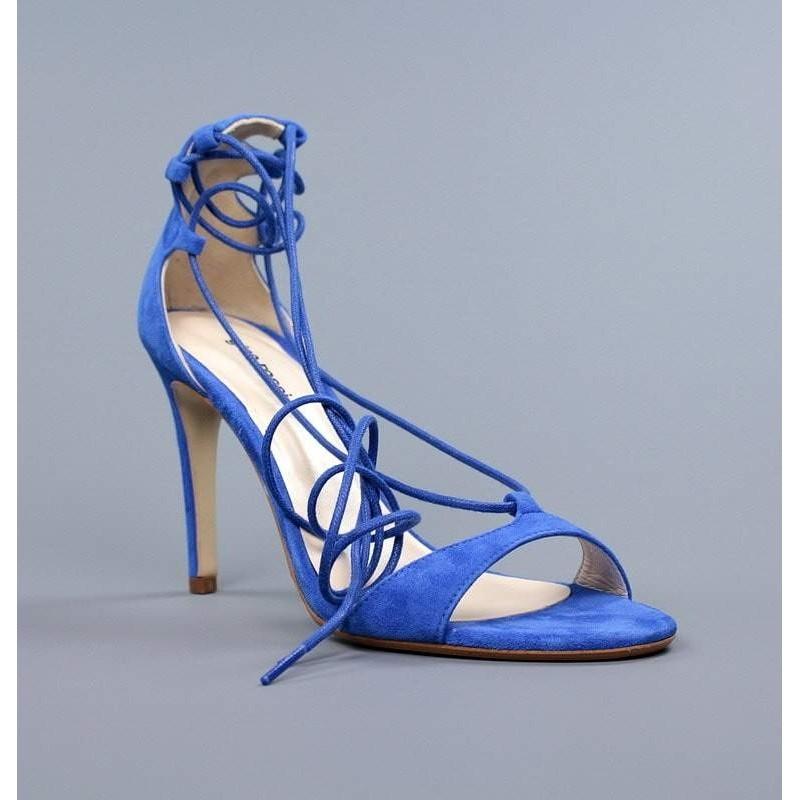Sandalias azules tacón fino.5300