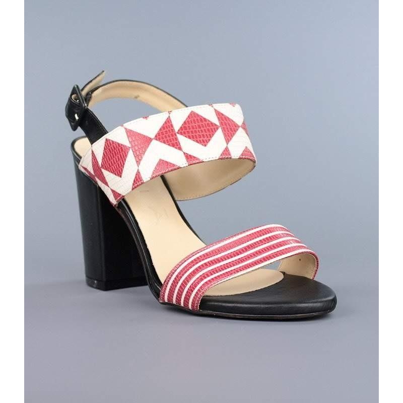 Sandalias blanca roja y negra .hv33