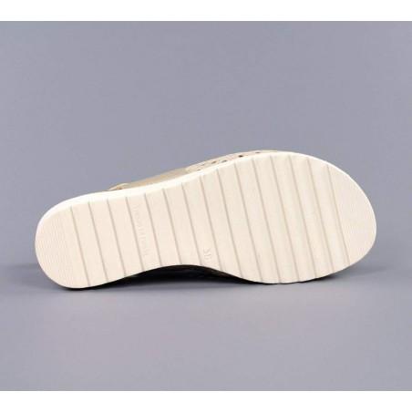 Sandalia confort doradas.17602