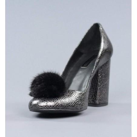 Zapatos pompon gris acero.el4