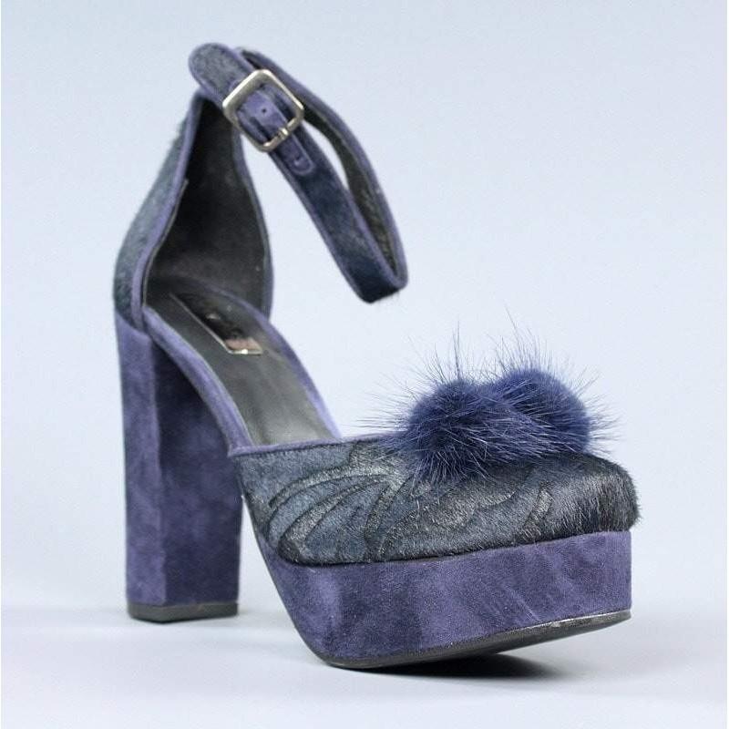 Zapatos azules pompon.el11