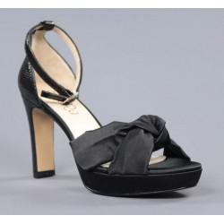 Sandalia raso negro.18a13