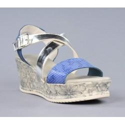 Sandalia azul y plata.18326