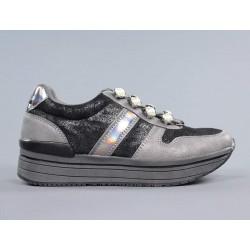 Zapatillas gris y negras b3d.b3