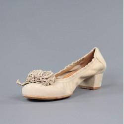 zapatos beige de tacón cuadrado 6950