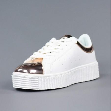 Zapatillas blancas cordones.psx17