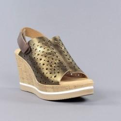 Sandalia bronce cuña carmela.ps88