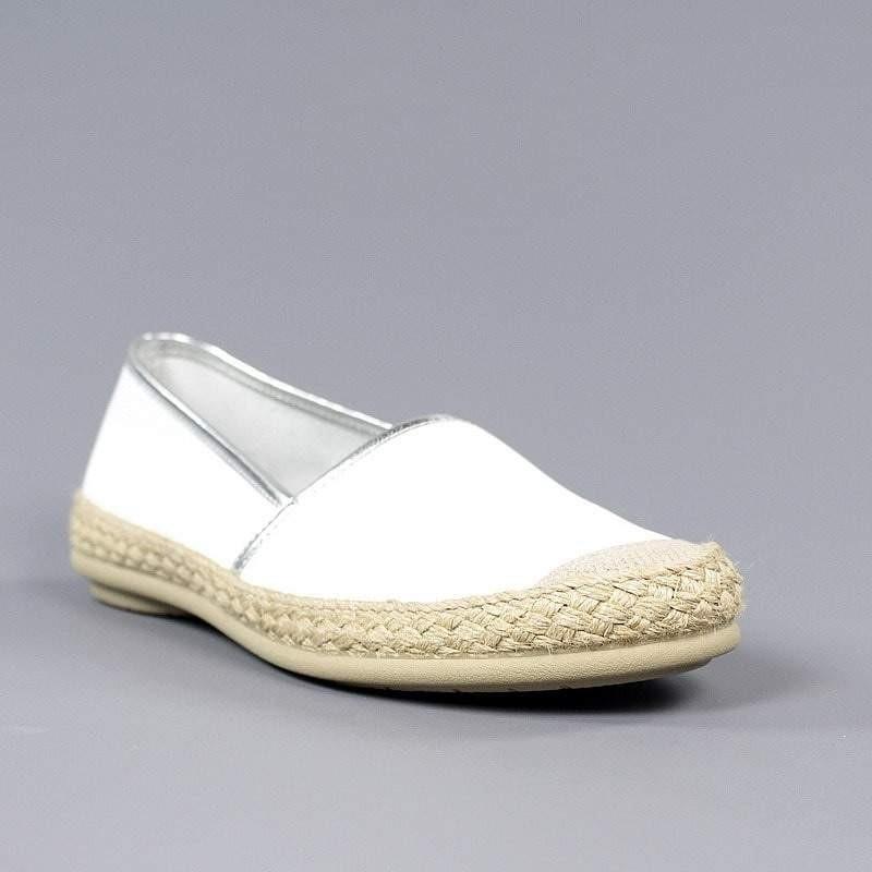 Zapatos blancos blandos.1946