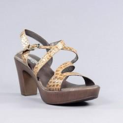 Sandalia marrón plataforma.312