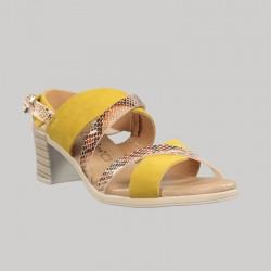 Sandalia amarilla tacón.69105